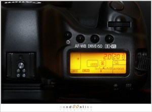 Top screen of an EOS 5D (1D113229)