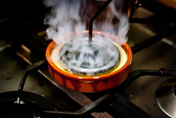 Crema Catalana branden met een heet ijzer @ Flickr