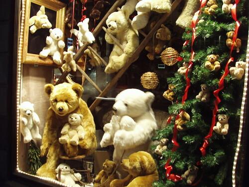 200512130019_Strasbourg_Christmas_shopwindow