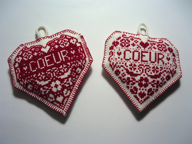 cross stitch coeurs