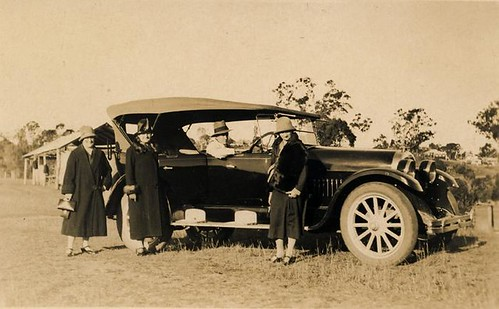 Berta, Nellie and Cis out driving circa 1930