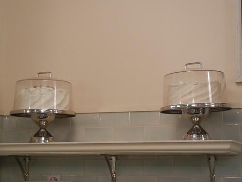 Vintage kitchen inspiration: Magnolia Bakery