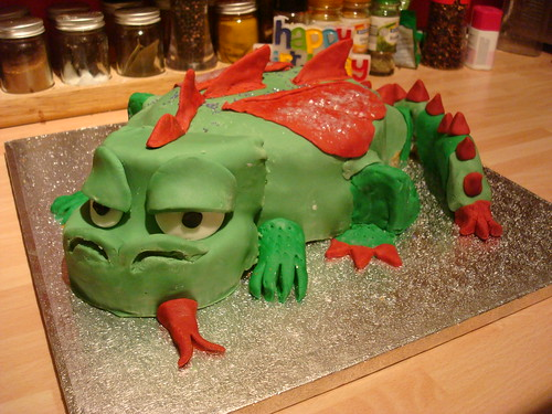 Dragon Cake for Dad's 65th birthday by squeejay