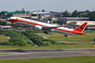 Boeing 777-300ER da TAAG @ SBGR