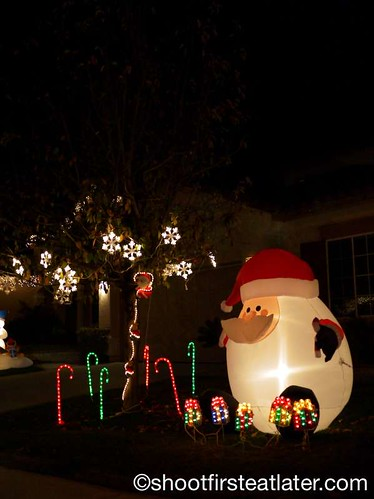 Houses with Christmas Lighting in California-4