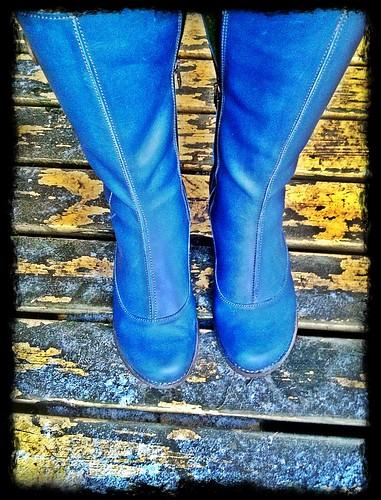 shoe per diem jan 6, 2012 - blue boots rock