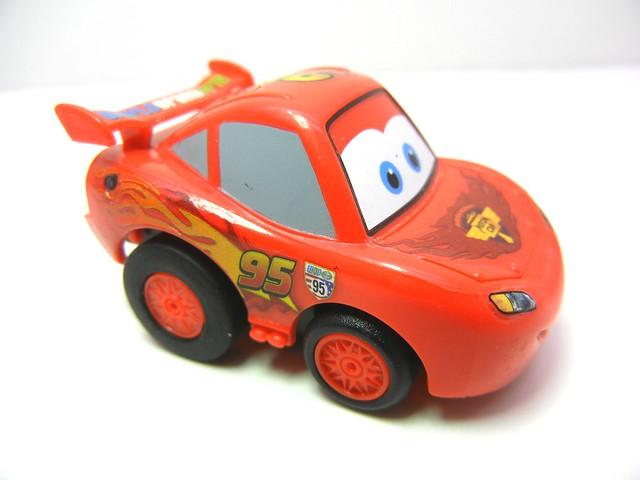 choro q disney cars 2 lightning mcqueen (2)