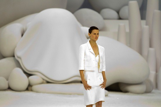 Spring 2012 RTW Collection - Candids (11)