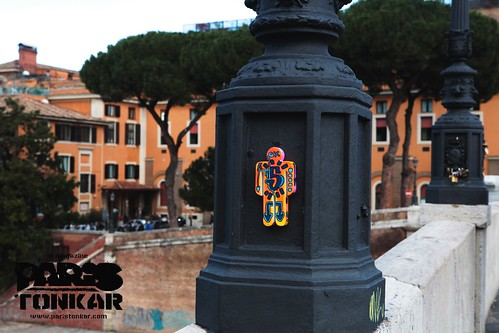 Man at work #5/111 // Rome, Italie by Pegasus & Co