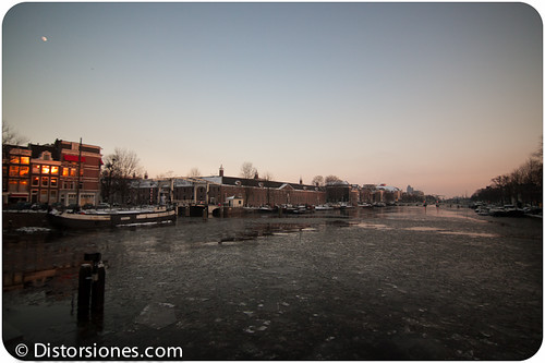 El río Amstel desde el Blauwbrug