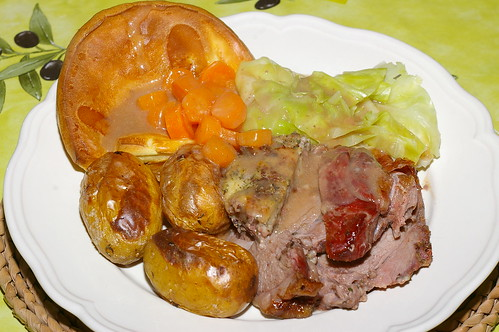 Roast lamb with Yorkshire pudding by La belle dame sans souci