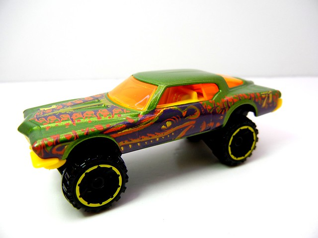 HOT WHEELS '71 BUICK RIVIERA (2)