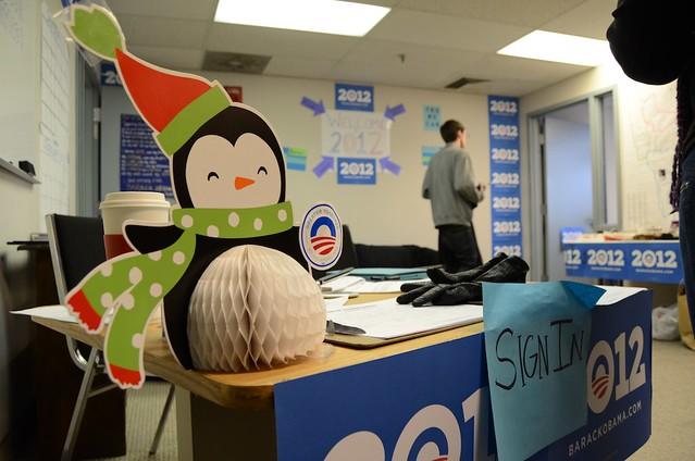 Obama office front desk display