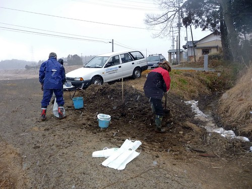 福島県南相馬市でボランティア Volunteer at Minamisoma city, Fukushima pref. Affected by the Tsunami of Earthquake and Fukushima Daiichi Nuclear Accident