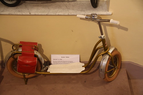 Antique scooter w/saddlebags