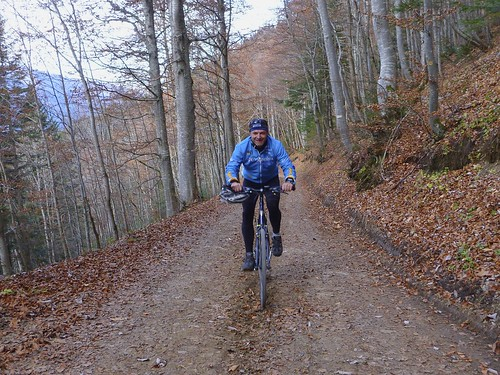Approaching Col du Pré du Tour
