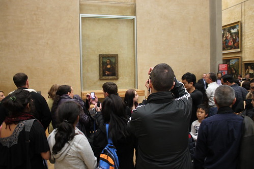 Mona Lisa and paparazzi