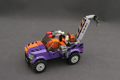 6864 The Batmobile and the Two-Face Chase - Truck 1
