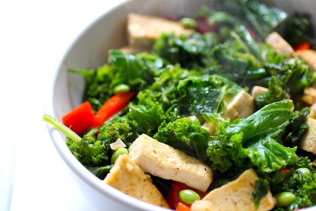 spicy kale + tofu stir-fry!