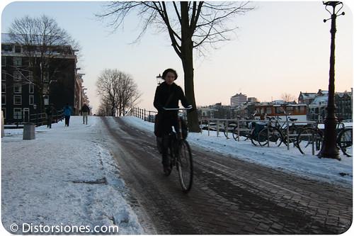 En bici por la calle Amstel helada