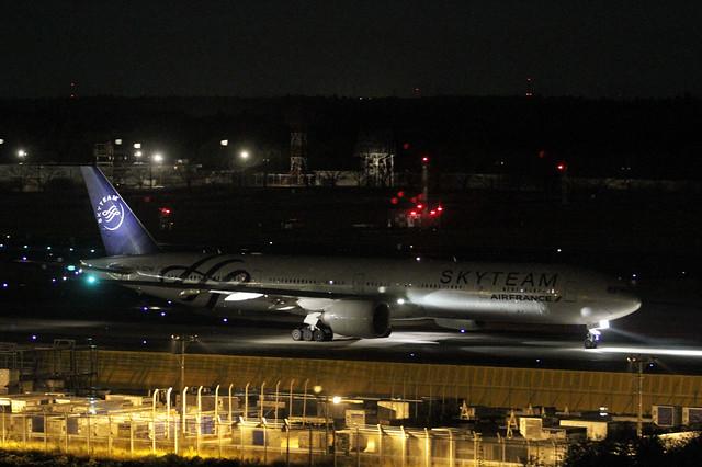 Air France B777-300ER(F-GZNE)