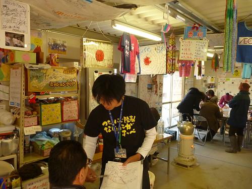 ボランティアセンター, 陸前高田で側溝泥上げボランティア(レーベン一号・信州号) Volunteer at Rikuzentakata, Destroyed by the tsunami of Great East Japan Earthquake