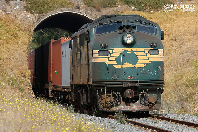 Warrnambool Freight 9203 with A71.