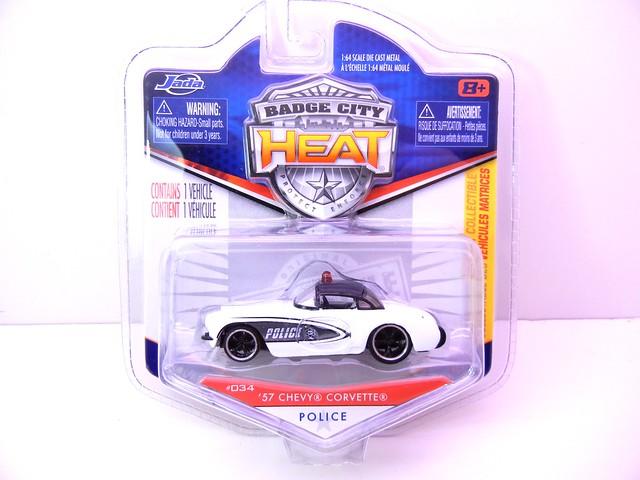 jada toys badge city heat '57 chevy corvette police (1)