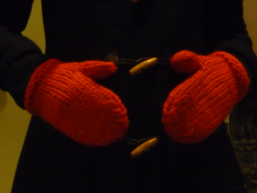 COS Mittens