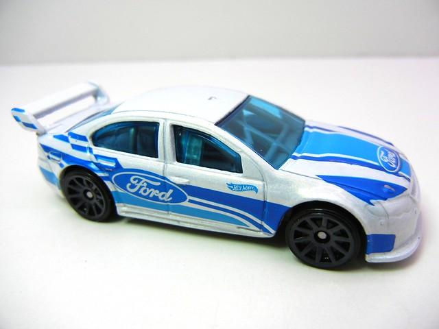 hot wheels ford falcon race car white (2)