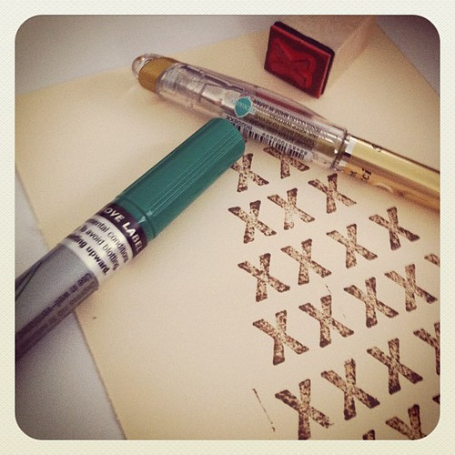 Pentel outline marker and gold slicci, stamps