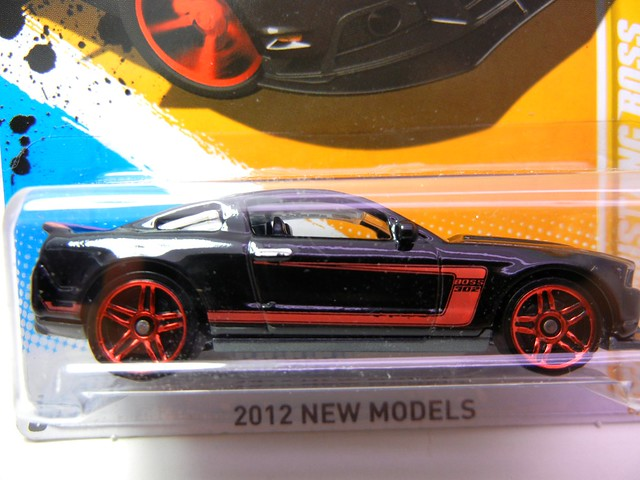 HOT WHEELS 2012 MUSTANG BOSS 302 LAGUNA SECA (2)