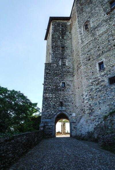 Ingresso alla Rocca di Angera