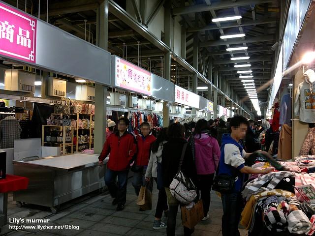 這是一樓的區域,攤位還沒有全滿,老實說有點無聊,不是很有興趣逛。
