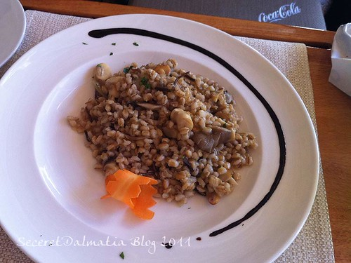 Orzo-tto with mushrooms