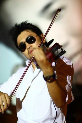 Dennis Lau