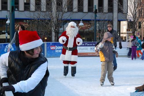 Santa Skates/Santacon