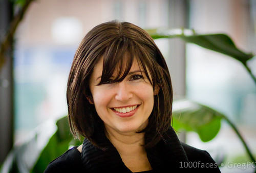 Face - smiling woman with great bangs