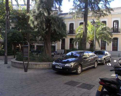 Vehiculos Oficiales en Plaza de San Felipe