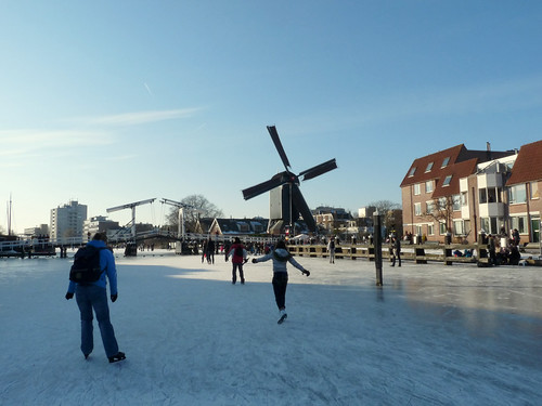 Frozen canal and De Put windmill