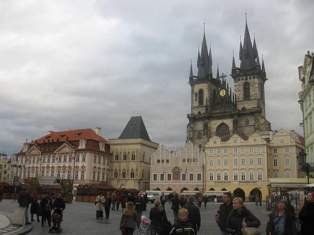 dům u kamenného zvonu (House of the stone bell) and Týnský chrám (Church of our Lady before Týn), on the Staroměstské náměstí (Old Town Square)