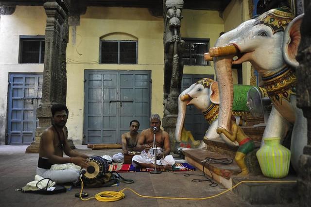 Krishnaswamy and accompanists, Minakshi Temple, Madurai