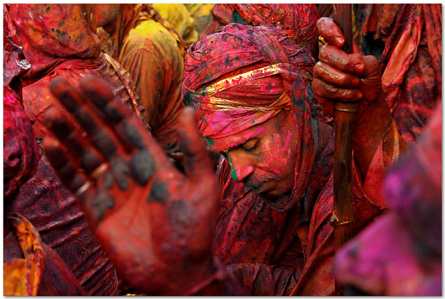 Red - 35 Colorful Collection of Holi Photos