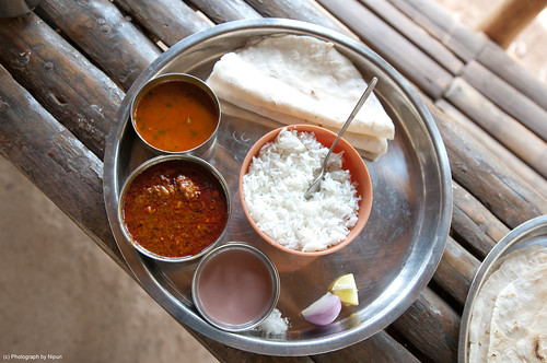 A typical Konkani Hedvi meal.