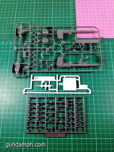 HG 144 2011 7 Eleven RX-78-2 Ver G30th (14)