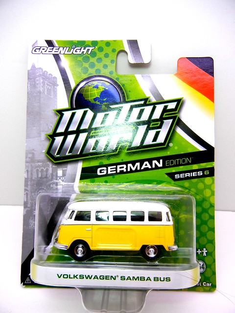 greenlight motor world volkswagen samba bus yellow (1) - Copy