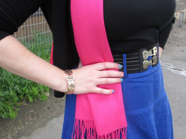 The details, with fuchsia, gold, and cobalt