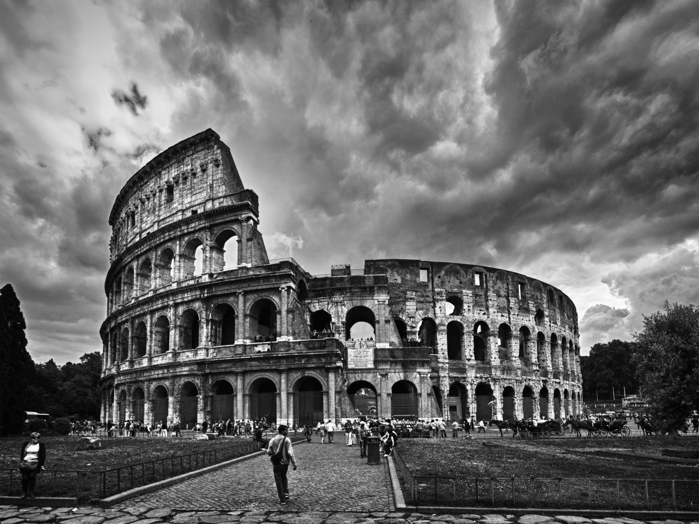 Christian Fall Iphone Wallpaper The Colosseum Rome Flickr Photo Sharing