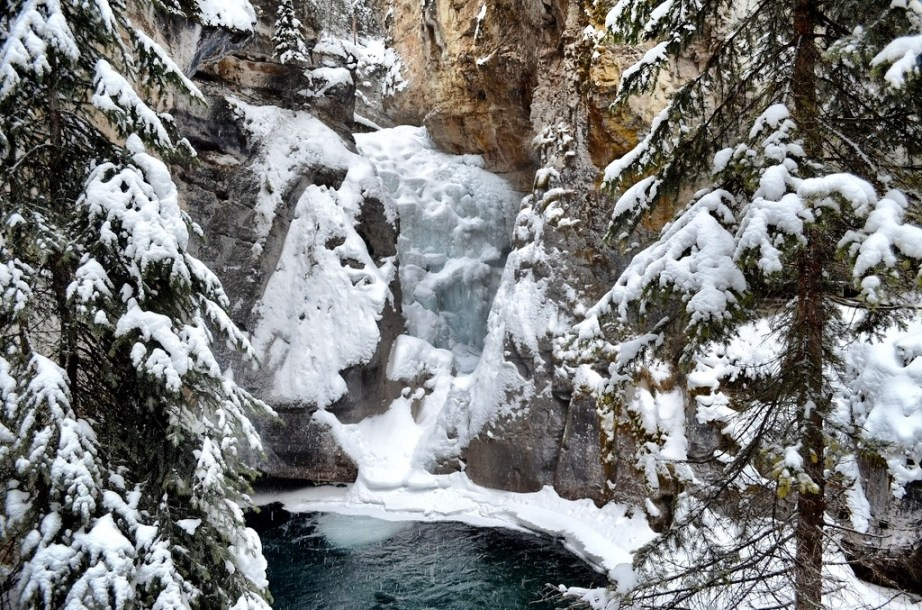 Johnston Canyon Ice Walk