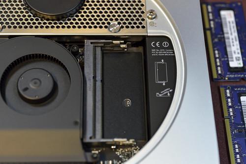 空 RAM 插槽